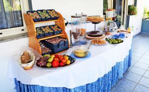 18 buffet ok