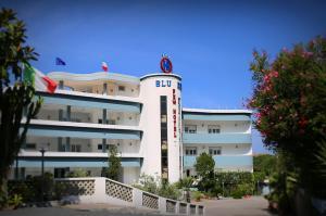 struttura-esterna-hotel1