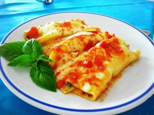 Piatto Primo Cannelloni fatti mano Spinaci Ricotta